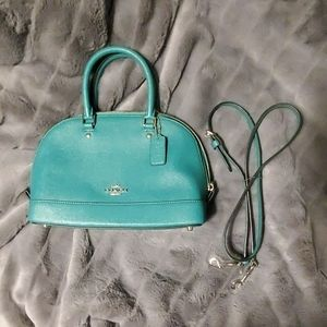 Kelly Green Coach cross body with removable strap